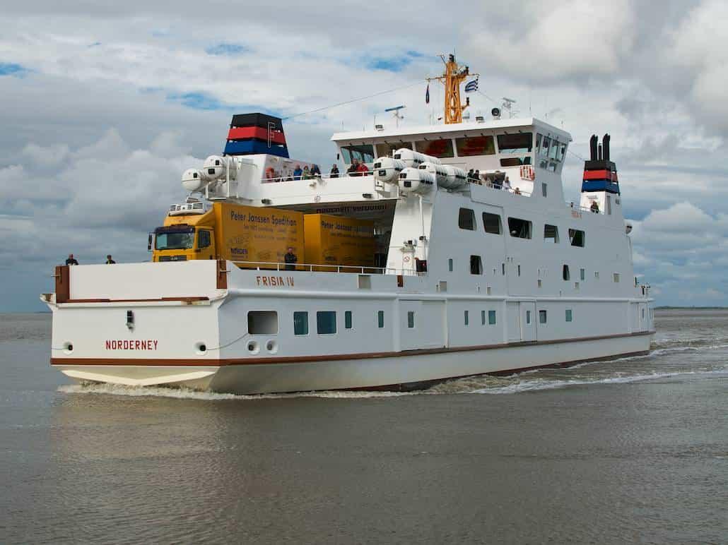 Du kommst mit dem Schiff nach Juist – Frisia IV – Urlaub/Ferien auf der Insel